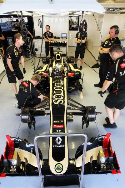 Davide Valsecchi (ITA) Lotus F1 E20. Formula One Young Drivers Test, Day Three, Yas Marina Circuit, Abu Dhabi, UAE, Thursday 8 November 2012.