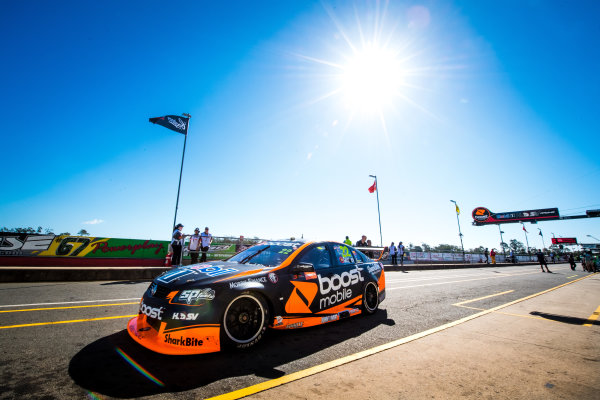 2017 Supercars Championship Round 8.  Ipswich SuperSprint, Queensland Raceway, Queensland, Australia. Friday 28th July to Sunday 30th July 2017. James Courtney, Walkinshaw Racing.  World Copyright: Daniel Kalisz/ LAT Images Ref: Digital Image 280717_VASCR8_DKIMG_7473.jpg