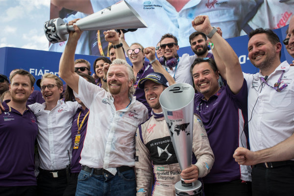 2016/2017 FIA Formula E Championship. Round 9 - New York City ePrix, Brooklyn, New York, USA. Saturday 15 July 2017. Sir Richard Branson and Sam Bird (GBR), DS Virgin Racing, Spark-Citroen, Virgin DSV-02, celerate with the team. Photo: Andrew Ferraro/LAT/Formula E ref: Digital Image _FER8737