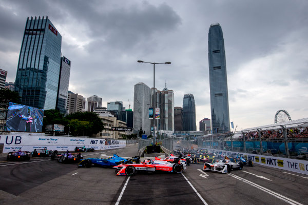 2016/2017 FIA Formula E Championship. Hong Kong ePrix, Hong Kong, China. Sunday 9 October 2016. Nick Heidfeld (GER), Mahindra Racing, Spark-Mahindra, Mahindra M3ELECTRO at the start of the race. Photo: Zak Mauger/LAT/Formula E ref: Digital Image _L0U2126