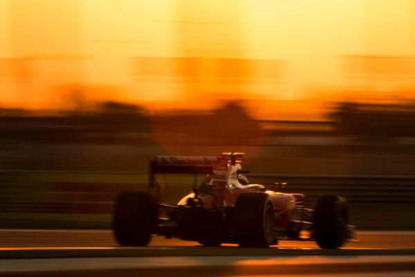 Yas Marina Circuit, Abu Dhabi, United Arab Emirates. Sunday 27 November 2016. Kimi Raikkonen, Ferrari SF16-H. World Copyright: Sam Bloxham/LAT Photographic ref: Digital Image _SLA9482