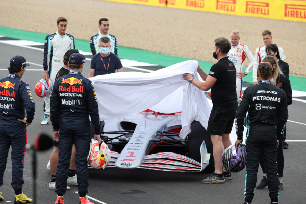 Sergio Perez, Red Bull Racing, Max Verstappen, Red Bull Racing, Sir Lewis Hamilton, Mercedes, George Russell, Williams. Nicholas Latifi, Williams, Nikita Mazepin, Haas F1 and Mick Schumacher, Haas F1 at the 2022 Car Launch