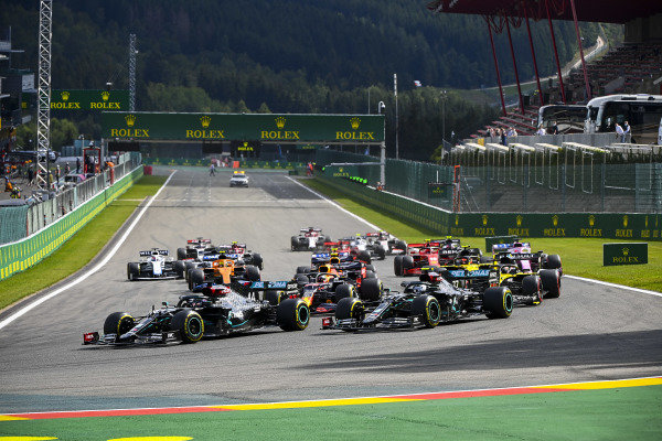 Lewis Hamilton, Mercedes F1 W11 EQ Performance leads Valtteri Bottas, Mercedes F1 W11 EQ Performance, Daniel Ricciardo, Renault R.S.20 and Max Verstappen, Red Bull Racing RB16 at the start of the race