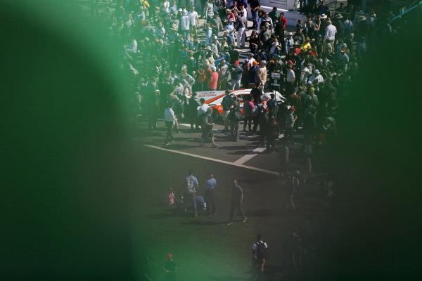 #6 Acura Team Penske Acura DPi, DPi: Juan Pablo Montoya, Dane Cameron, Simon Pagenaud, Fan walk, grid, fans