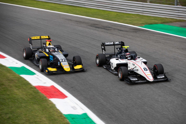 AUTODROMO NAZIONALE MONZA, ITALY - SEPTEMBER 06: Fabio Scherer (CHE, Sauber Junior Team by Charouz) and Ye Yifei (CHI, Hitech Grand Prix) during the Monza at Autodromo Nazionale Monza on September 06, 2019 in Autodromo Nazionale Monza, Italy. (Photo by Joe Portlock / LAT Images / FIA F3 Championship)