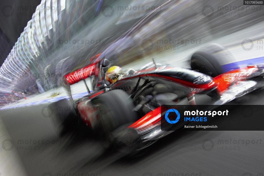 Lewis Hamilton, McLaren MP4-24 Mercedes.