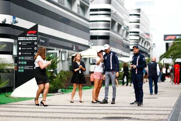 Esteban Ocon, Racing Point Force India, with fans
