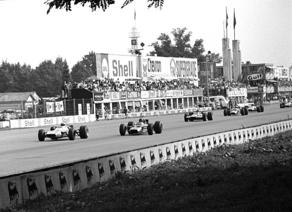 Winner Jackie Stewart (GBR) Matra MS80, leads Graham Hill (GBR), Piers Courage (GBR) and 2nd placed Jochen Rindt (AUT) Italian GP, Monza, 8 September 1969