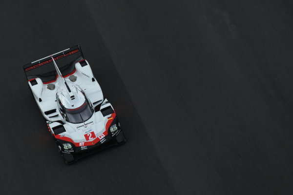 2017 FIA World Endurance Championship, Shanghai, China. 3rd-5th November 2017, Timo Bernhard / Earl Bamber / Brendon Hartley Porsche LMP Team Porsche 919 Hybrid World Copyright. JEP/LAT Images