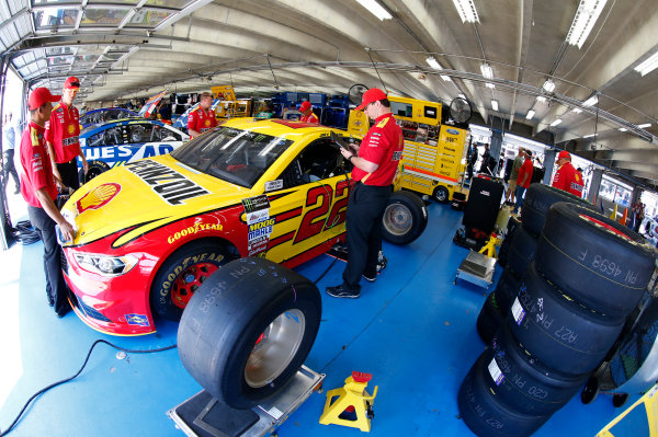 Monster Energy NASCAR Cup Series Monster Energy NASCAR All-Star Race Charlotte Motor Speedway, Concord, NC USA Friday 19 May 2017 Joey Logano, Team Penske, Shell Pennzoil Ford Fusion World Copyright: Matthew T. Thacker LAT Images ref: Digital Image 17CLT1mt1220