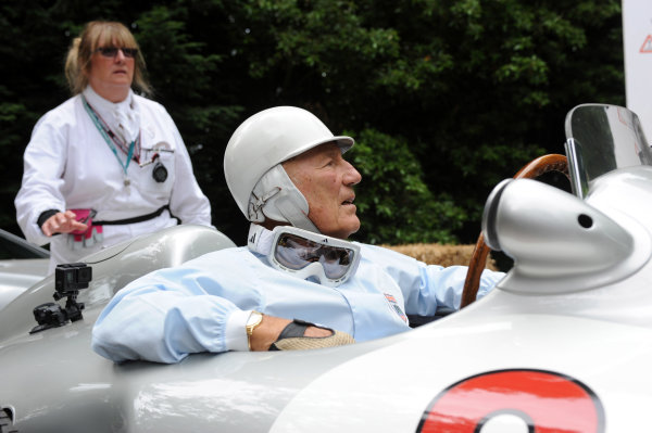2014 Goodwood Festival of Speed Goodwood Estate, West Sussex, England 26th - 29th June 2014 Sir Stirling Moss World Copyright: Jeff Bloxham/LAT Photographic ref: Digital Image DSC_7793