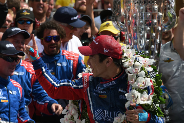Verizon IndyCar Series Indianapolis 500 Race Indianapolis Motor Speedway, Indianapolis, IN USA Sunday 28 May 2017 Race winner Takuma Sato (JPN) Andretti Autosport Honda celebrates in Victory Lane World Copyright: Jose Rubio/Sutton/LAT Images ref: Digital Image dcd1728my1066