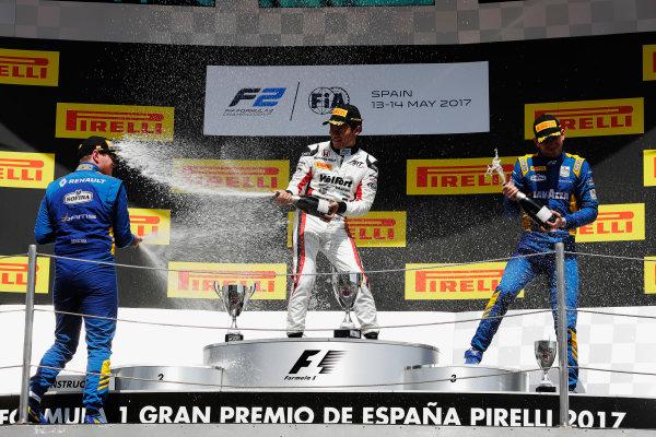Circuit de Catalunya, Barcelona, Spain. Sunday 14 May 2017 Nobuharu Matsushita (JPN, ART Grand Prix) Oliver Rowland (GBR, DAMS) and Nicholas Latifi (CAN, DAMS)  Photo: /FIA Formula 2 ref: Digital Image _56I0259