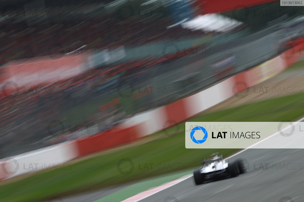 Silverstone, Northamptonshire, England9th July 2011Kamui Kobayashi, Sauber C30 Ferrari. Action. World Copyright: Andy Hone/LAT Photographicref: Digital Image CSP10391