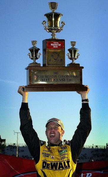 Matt Kenseth (USA), Smirnoff Ice/DeWalt Ford, wins his first Nascar Winston Cup Championship. NASCAR Winston Cup Series, Rd35, Pop-Secret Microwave Popcorn 400, Rockingham, North Carolina, USA. 9 November 2003.DIGITAL IMAGE