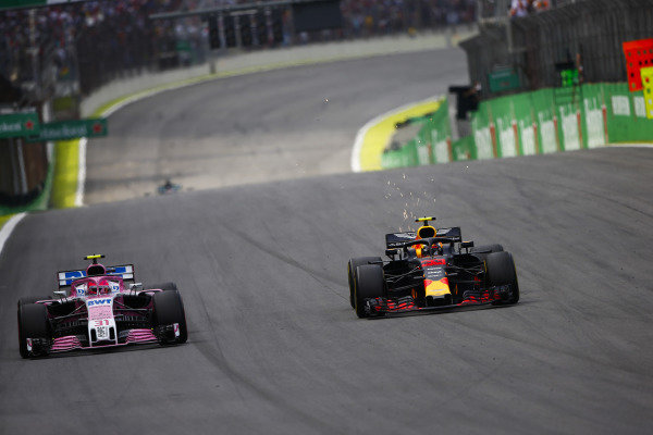 Max Verstappen, Red Bull Racing RB14 Tag Heuer, overtakes Esteban Ocon, Force India VJM11 Mercedes, before the pair make contact.