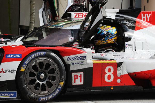 #8 Toyota Gazoo Racing Toyota TS050: Thomas Laurent, Nyck DeVries