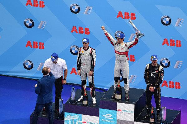 Lucas Di Grassi (BRA), Audi Sport ABT Schaeffler, celebrates on the podium with Sébastien Buemi (CHE), Nissan e.Dams, and Jean-Eric Vergne (FRA), DS TECHEETAH