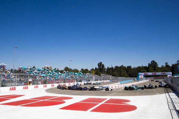 Jose Maria Lopez (ARG), GEOX Dragon Racing, Penske EV-3 leads Robin Frijns (NLD), Envision Virgin Racing, Audi e-tron FE05 and Jean-Eric Vergne (FRA), DS TECHEETAH, DS E-Tense FE19