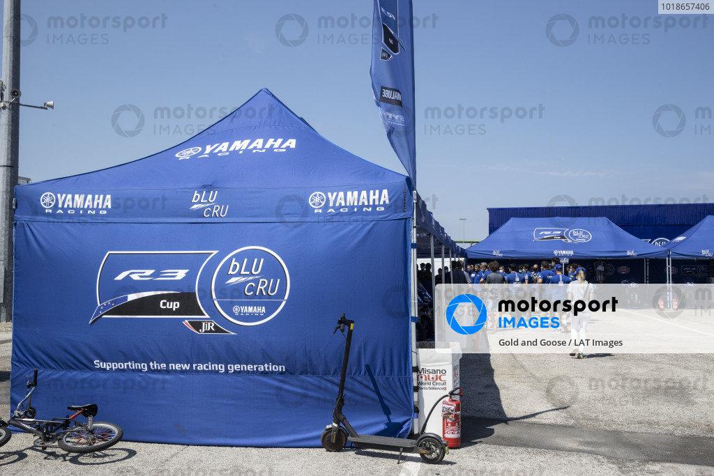Yamaha R3 cup paddock.