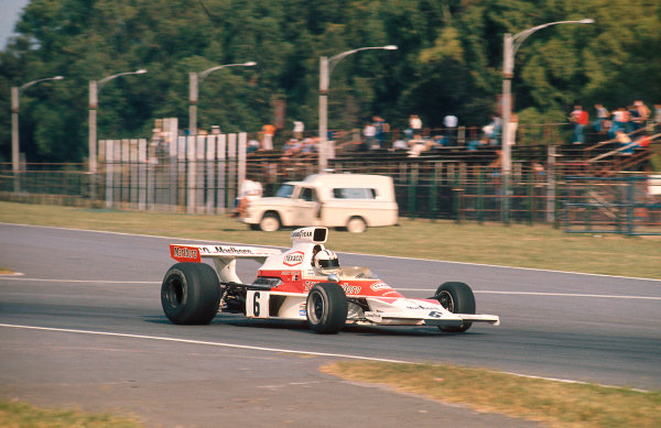 1974 Argentinian Grand Prix.Buenos Aires, Argentina.11-13 January 1974.Denny Hulme (McLaren M23 Ford) 1st position.Ref-74 ARG 06.World Copyright - LAT Photographic