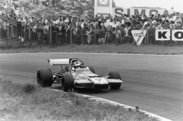 Zandvoort, Holland. 19th - 21st June 1970.Piers Courage (De Tomaso 505/38-Ford Cosworth), retired Tragically Courage suffered a fatal accident during the race, action.World Copyright: LAT Photographic.Ref: 3160 - 37-38.