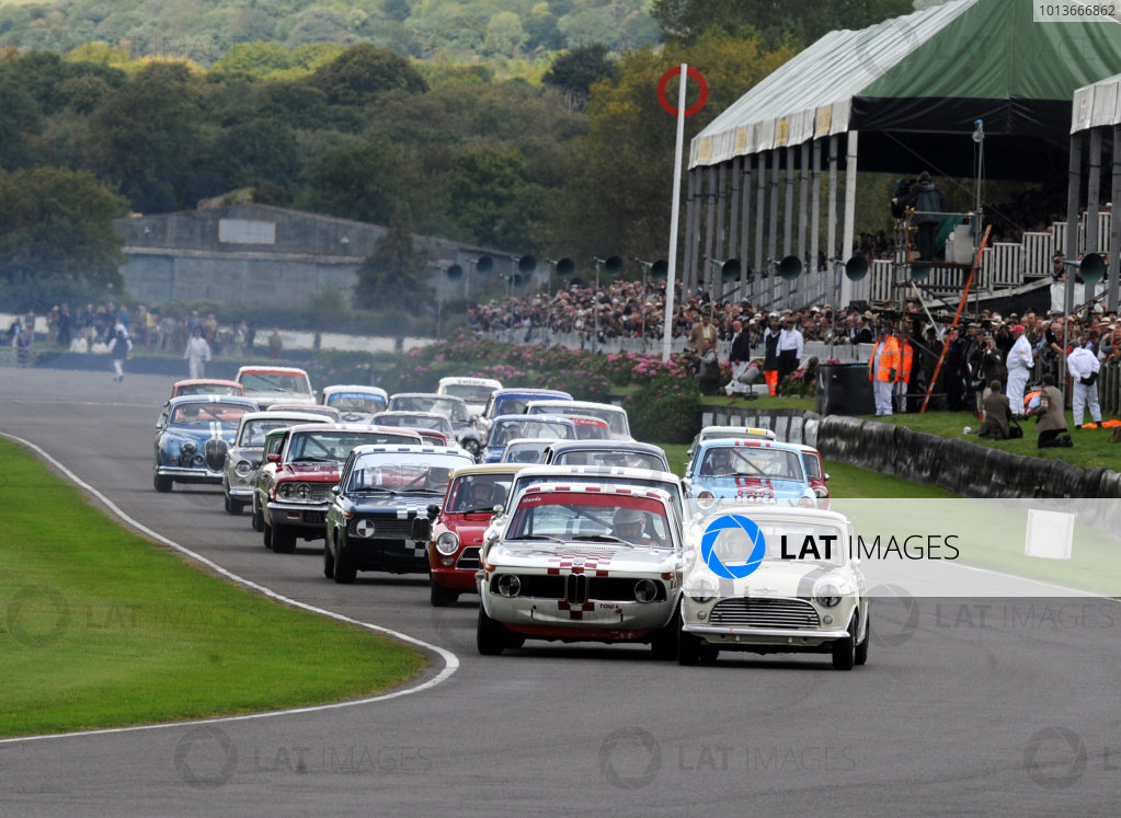 Goodwood Estate, West Sussex, 15th - 18th September 2011 St Mary's Trophy Race 2 Start of the race, action. World Copyright:Jeff Bloxham/LAT Photographic Ref: Digital Image