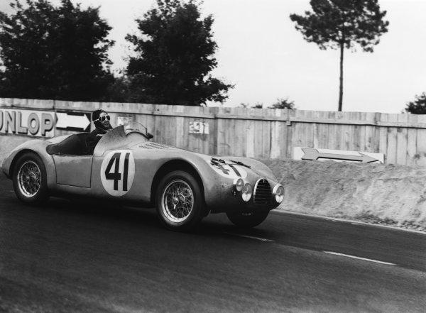 Le Mans, France. 24th - 25th June 1950 Mme Rouvault/Gordine (Simca Gordini), retired, action. World Copyright: LAT Photographic Ref: Autocar Glass Plate C27271.