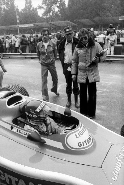 Jacques Laffite (FRA) Ligier JS5, took his and the team's first pole position, finishing the race in third position. Gerard Ducarouge (FRA) Ligier Team Manager is nearest the car in the pits.