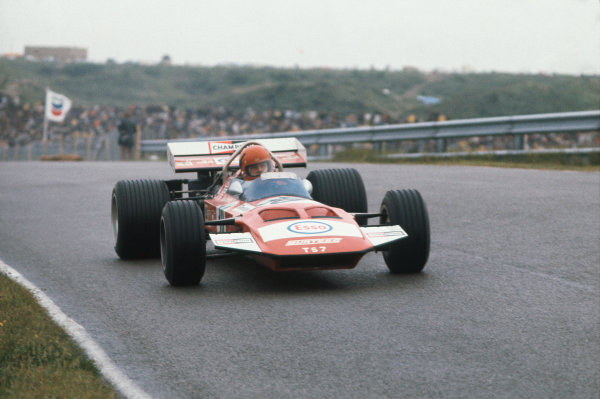1971 Dutch Grand Prix.  Zandvoort, Holland. 18-20th June 1971.  Gijs van Lennep, Surtees TS7 Ford, 8th position, at Hunserug.  Ref: 71HOL23. World Copyright: LAT Photographic