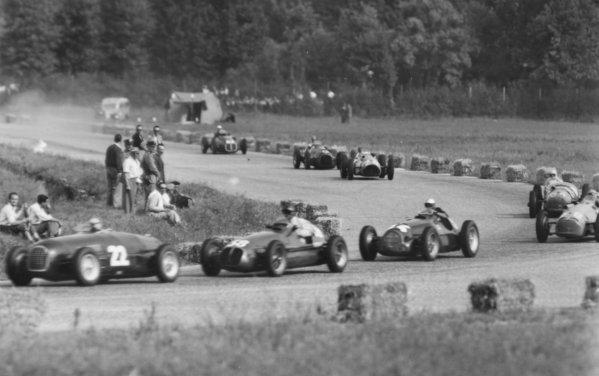 1950 Italian Grand Prix.Monza, Italy. 3 September 1950.Clemente Biondetti (Ferrari 166I-Jaguar) leads Emmanuel de Graffenried (Maserati 4CLT/48), Piero Taruffi (Alfa Romeo 158), Louis Rosier (Lago-Talbot T26C), Henri Louveau (Lago-Talbot T26C-GS), Philippe Etancelin (Lago-Talbot T26C), Peter Whitehead (Ferrari 125) and Gianfranco Comotti (Maserati 4CLT/50-Speluzzi). Ref-S71/68.World Copyright - LAT Photographic