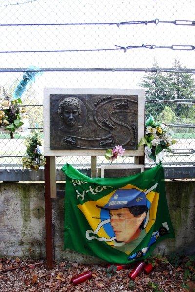 Memorials at Tamburello for Ayrton Senna (BRA).Imola Track Walk, Imola, San Marino, Thursday 17 September 2009.