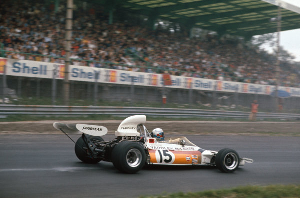 1972 Italian Grand Prix.  Monza, Italy. 8-10th September 1972.  Peter Revson, McLaren M19C Ford, 4th position.  Ref: 72ITA38. World Copyright: LAT Photographic
