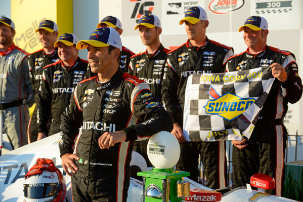 Verizon IndyCar Series Iowa Corn 300 Iowa Speedway, Newton, IA USA Sunday 9 July 2017 Winner Helio Castroneves, Team Penske Chevrolet World Copyright: F. Peirce Williams LAT Images
