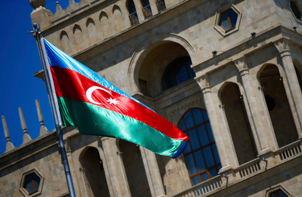 Baku City Circuit, Baku, Azerbaijan. Friday 23 June 2017. The Azerbaijan flag flies in front of a historic building. World Copyright: Andy Hone/LAT Images ref: Digital Image _ONY8251