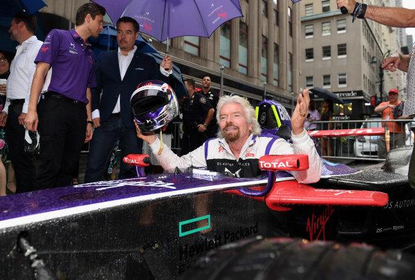 2016/2017 FIA Formula E Championship. Round 9 - New York City ePrix, Brooklyn, New York, USA. Friday 14 July 2017. Richard Branson poses for a photo from the cockpit of a DS Virgin Racing, Spark-Citroen, Virgin DSV-02. Photo: Sam Bagnall/LAT/Formula E ref: Digital Image DSC_0557