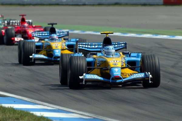 Third placed Jarno Trulli (ITA) Renault R23 leads team mate Fernando Alonso (ESP) Renault R23, who finished fourth.