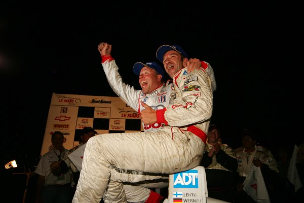 23 - 25 September 2004,Road Atlanta, Georgia, USA. Werner and Lehto celebrate victory.