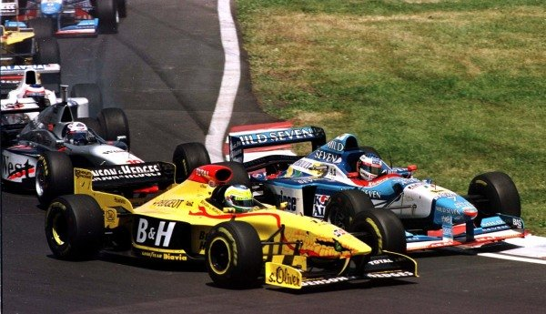 1997 Canadian Grand Prix.Montreal, Quebec, Canada.13-15 June 1997.Giancarlo Fisichella (Jordan 197 Peugeot) and Jean Alesi (Benetton B197 Renault) at the start. They finished in 3rd and 2nd respectively.World Copyright - LAT Photographic