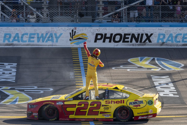 #22: Joey Logano, Team Penske, Ford Mustang Shell Pennzoil celebrates his victory