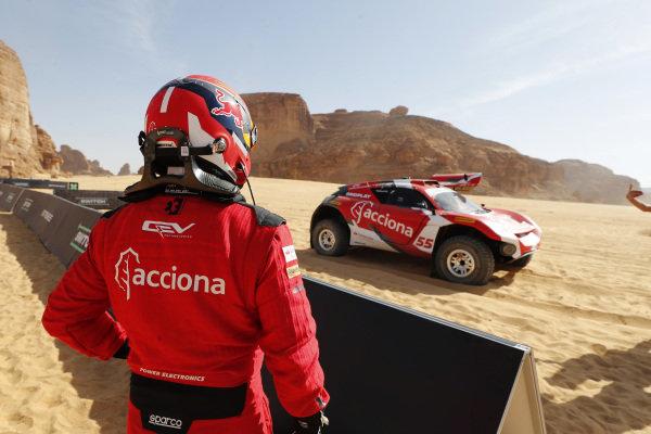 Laia Sanz/Carlos Sainz (ESP), Acciona   Sainz XE Team, driver swap
