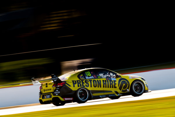 2017 Supercars Championship Round 4.  Perth SuperSprint, Barbagallo Raceway, Western Australia, Australia. Friday May 5th to Sunday May 7th 2017. Lee Holdsworth drives the #18 Preston Hire Racing Holden Commodore VF. World Copyright: Daniel Kalisz/LAT Images Ref: Digital Image 050517_VASCR4_DKIMG_1700.JPG