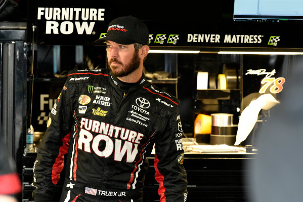Monster Energy NASCAR Cup Series First Data 500 Martinsville Speedway, Martinsville VA USA Saturday 28 October 2017 Martin Truex Jr, Furniture Row Racing, Furniture Row/Denver Mattress Toyota Camry World Copyright: Scott R LePage LAT Images ref: Digital Image lepage-171028-mart-3223