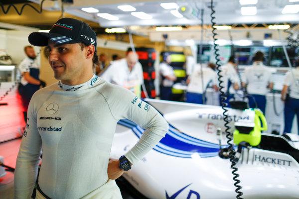 Yas Marina Circuit, Abu Dhabi, United Arab Emirates. Saturday 25 November 2017. Felipe Massa, Williams FW40 Mercedes.  World Copyright: Glenn Dunbar/LAT Images  ref: Digital Image _31I6801