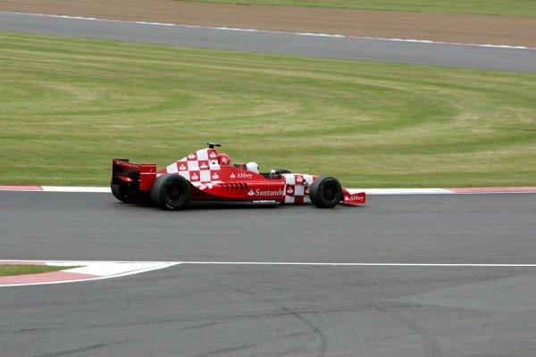 Formula 1 Photos British Gp Silverstone 2009 Michelle Ryder