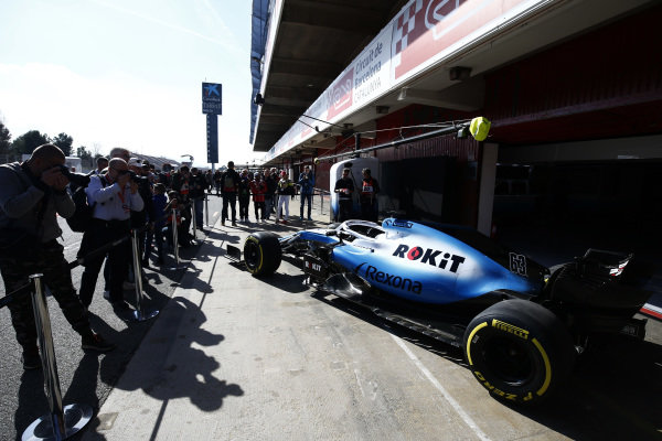 Photographers shoot the new Williams livery