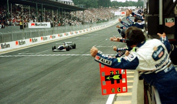 1997 Brazilian Grand Prix.Interlagos, Sao Paulo, Brazil.28-30 March 1997.Jacques Villeneuve (Williams FW19 Renault) 1st position.World Copyright - LAT Photographic