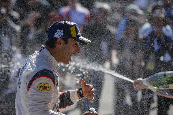 #7 Acura Team Penske Acura DPi, DPi: Helio Castroneves, Ricky Taylor celebrate with champagne