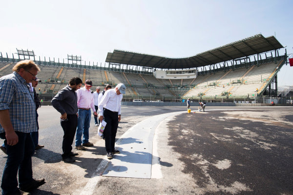 Autodromo Hermanos Rodriguez, Mexico City, Mexico. Tuesday 20 October 2015. Charlie Whiting, Race Director, FIA inspects the circuit. World Copyright: Steven Tee/LAT Photographic. ref: Digital Image _X0W3856