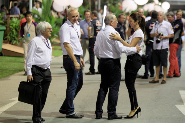 Marina Bay Circuit, Singapore. Saturday 21st September 2013. Bernie Ecclestone in the paddock with his wife. World Copyright: Charles Coates/LAT Photographic. ref: Digital Image _X5J9674